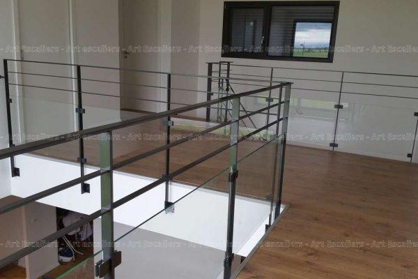 photos-escalier-cremaillere-metal-buhr-tressange-05-artescaliers_escalier-sol-portes-garde-corps