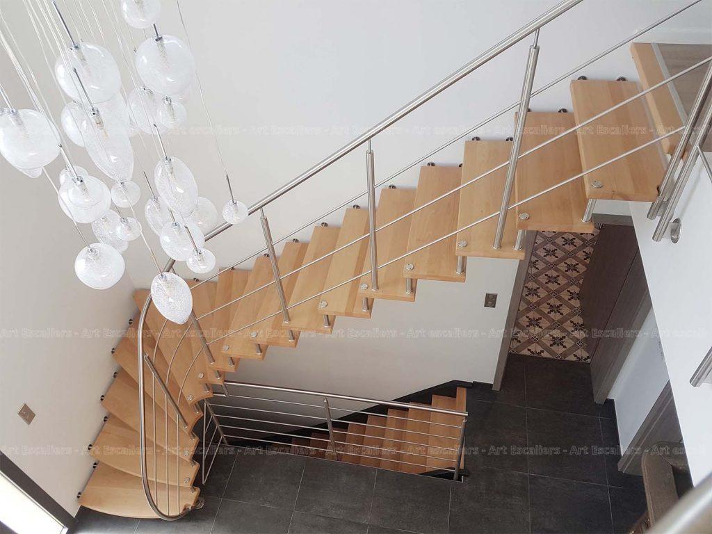 escalier suspendu bois métal