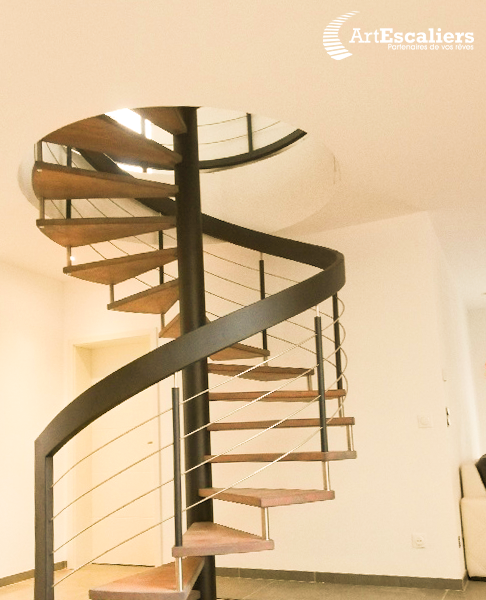 Escalier-helicoidal-tournant