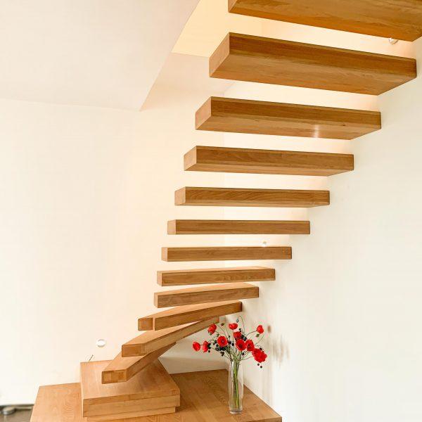 escalier-design-autoporteur-bois-chene