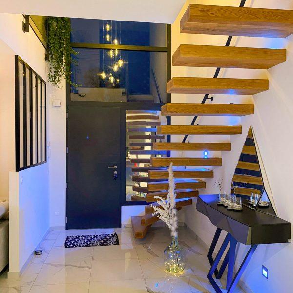 escaliers-autoporteur-moderne-chene