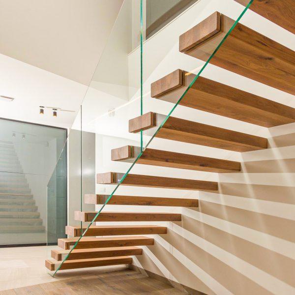 escalier-flottant-futura-autoporteur-chene